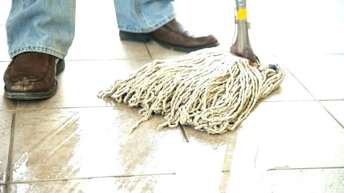 نظافت راه پله و مشاعات