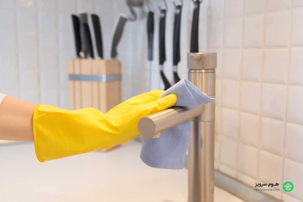 برای نطافت منزل اولین گام انتخاب بهترین ابزار و شوینده های مناسب است