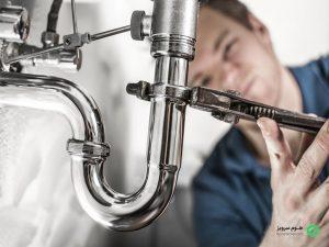 جهت تعمیرات لولهکشی ساختمان به نکاتی چون نشتی اتصالات، فشار آب، نشتی لولهکشی، خوردگی و زنگزدگی لولهها توجه شود.