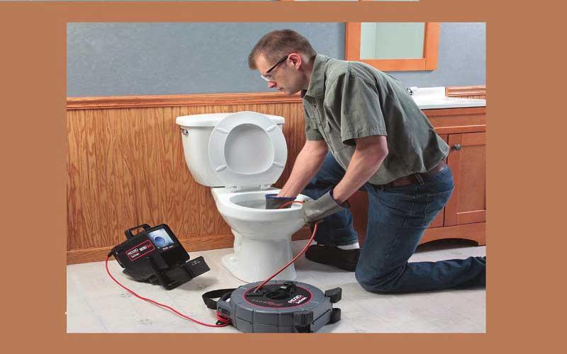 رفع گرفتگی فاضلاب توالت