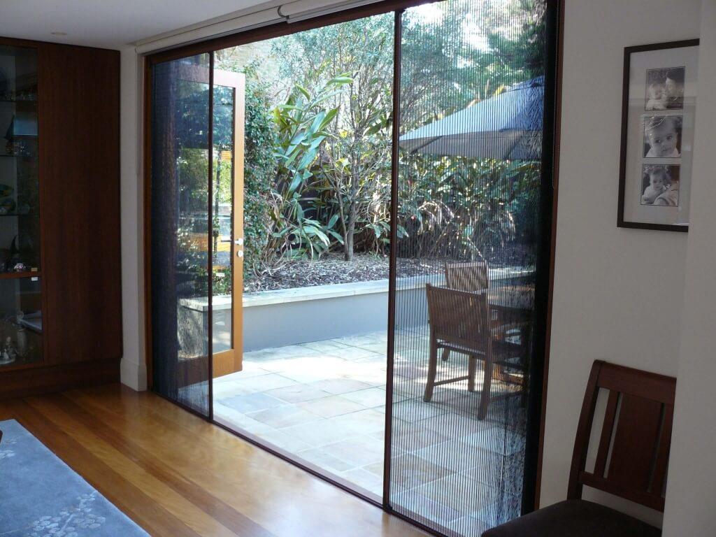 مزایای نصب توری درب و پنجره