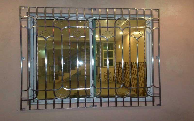 چگونه بهترین حفاظ پنجره آهنی و نرده بالکن را انتخاب کنیم؟