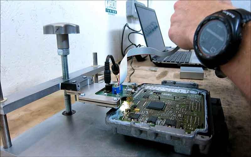 قیمت تعمیر کامپیوتر خودرو
