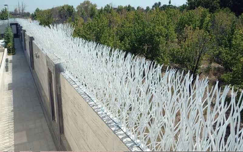 نرده دیوار ویلا و حفاظ روی دیوار