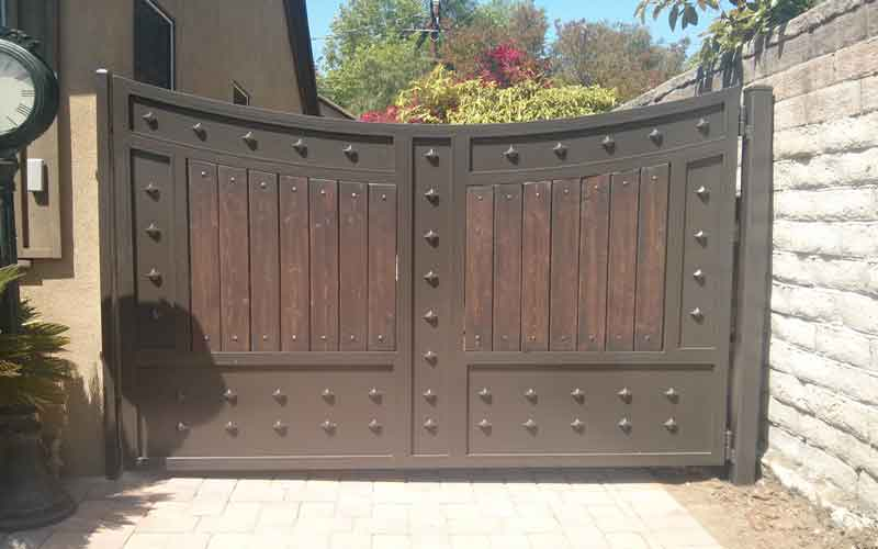 درب آهنی ساختمان