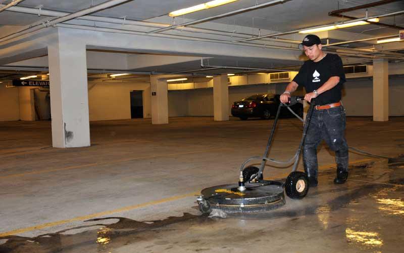 تمیز کردن سنگ کف پارکینگ کوچک