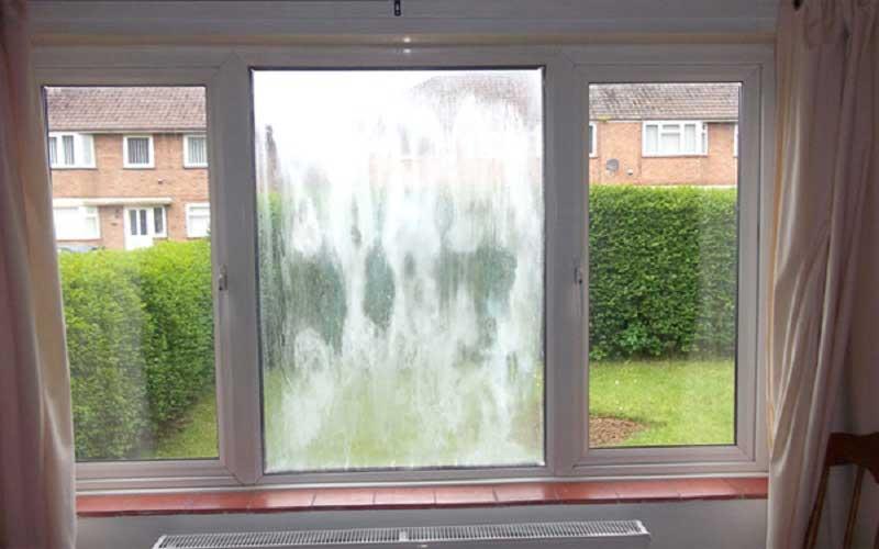 چرا شیشه پنجره دوجداره بخار می زند؟ جلوگیری از بخار زدن پنجره دوجداره