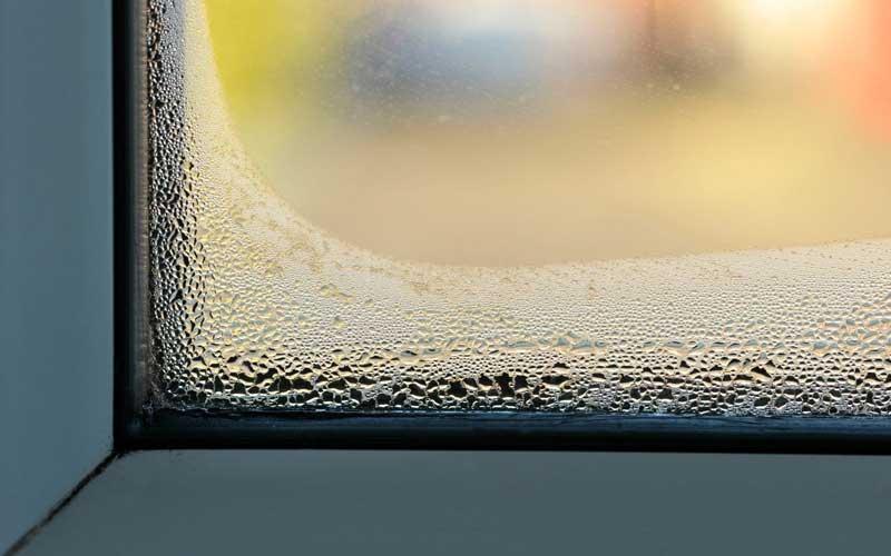 چرا شیشه بخار می زند؟