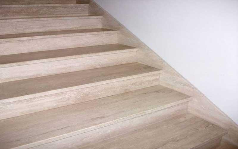نظافت راه پله در ساختمان