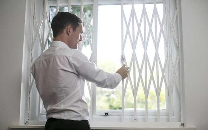 آیا حفاظ پنجره متحرک ایمن است؟