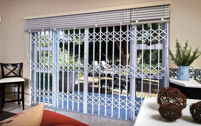 قیمت حفاظ پنجره متحرک