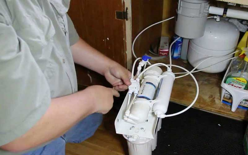 خدمات عیب یابی دستگاه تصفیه آب