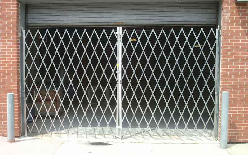 روش تعمیر حفاظ درب فلزی