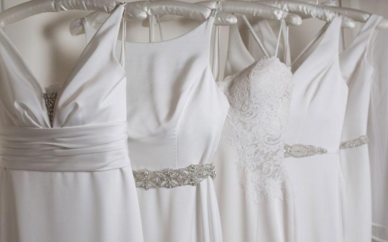 نرخ خشکشویی آنلاین لباس عروس