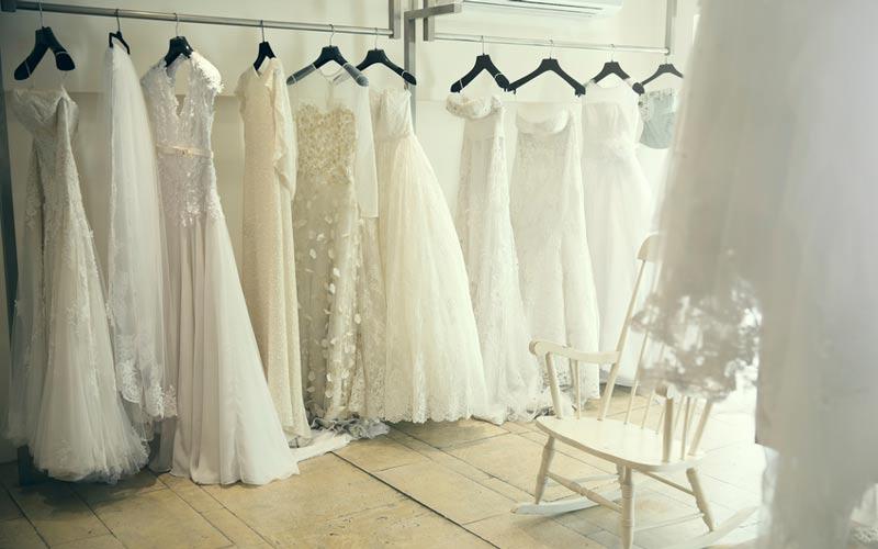 نرخ خشکشویی لباس عروس ابریشم