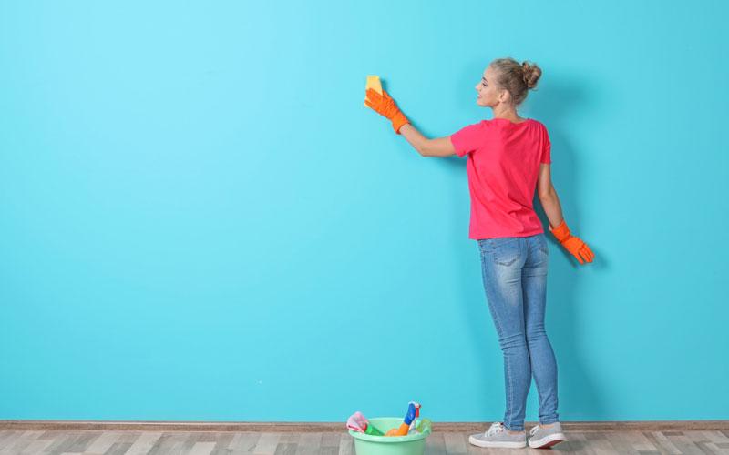 تمیز کردن دیوار ساختمان