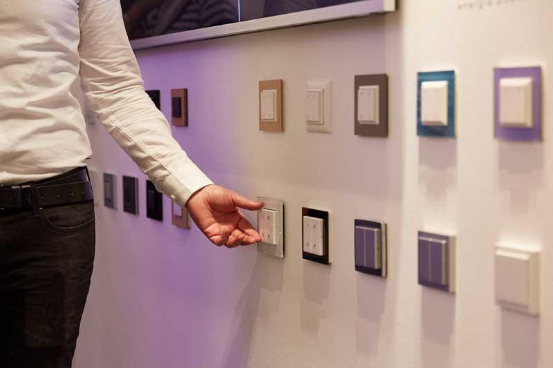 نصب پریز هوشمند در خانه