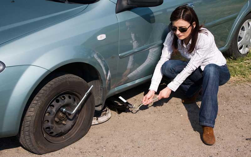 تعویض لاستیک خودرو در محل