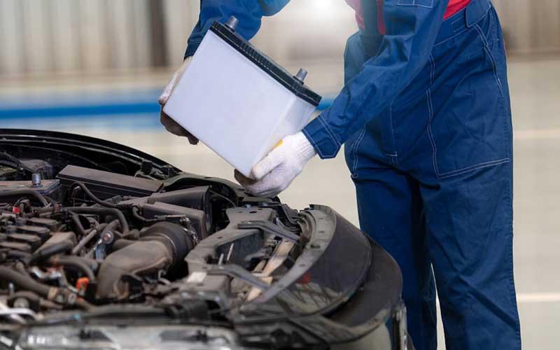 زمان تعویض باتری خودرو