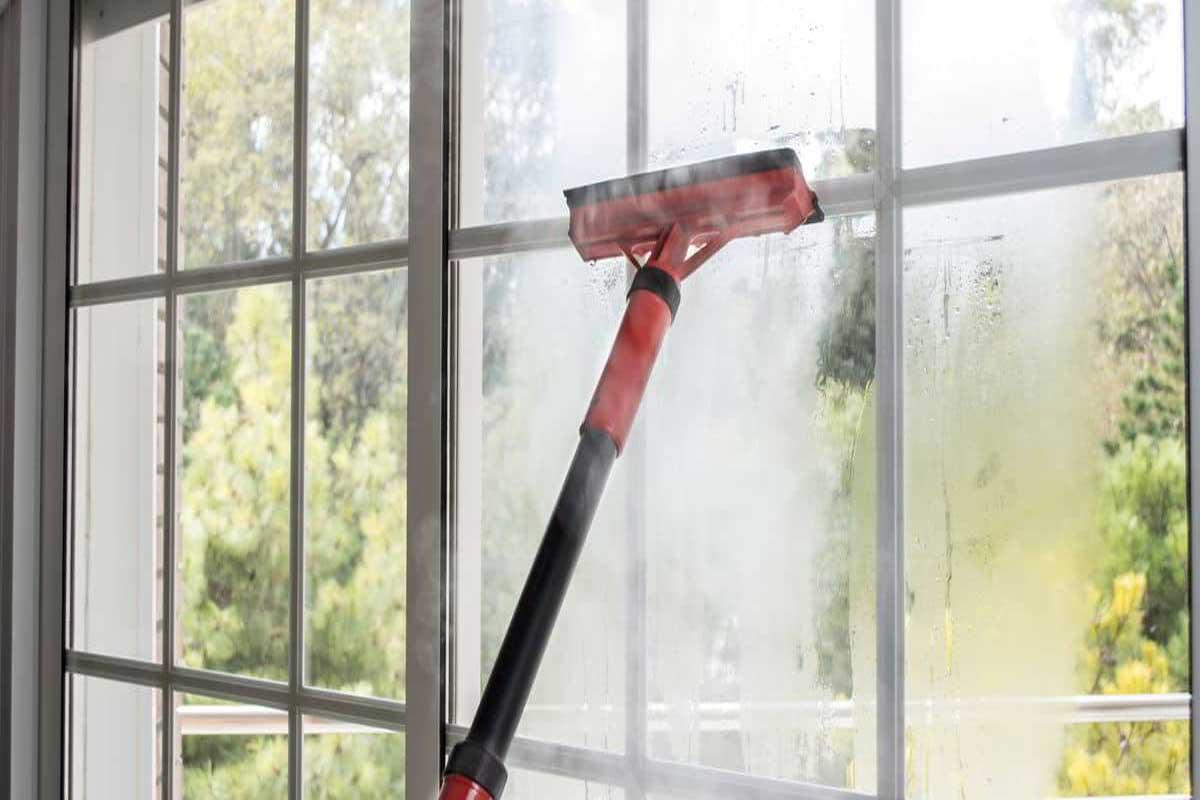 تمیز کردن شیشه ها با بخارشور